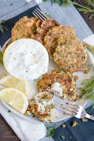 salmon patties aka salmon cakes