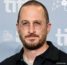 Darren Aronofsky oublie Jennifer Lawrence au bras d'une autre ...
