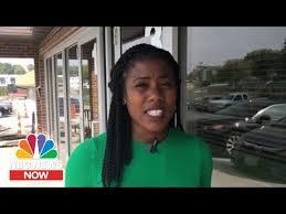 Iowa Residents Still Believe In Amy Klobuchar | NBC News Now - YouTube