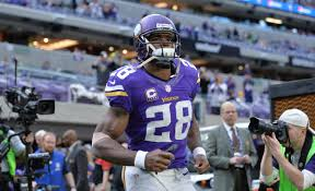 Vikings' Adrian Peterson wants to return, open to pay cut