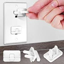 Amazon Com Baby Proofing Outlet Covers With Hidden Pull Handle 40 Pack Keep Your Kids And Pets Away From Power Hazard Difficult For Children To Remove Safety Durable Abs Plastic Outlet Plug