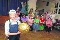 Girl Guides' panto hits the jackpot   Dorset Echo