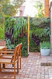 outdoor living wall ideas