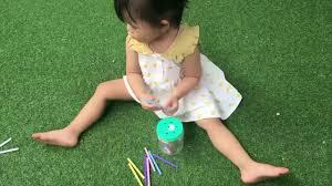 Tự làm đồ chơi cho bé 1 -2 tuổi| hộp thả que 3 cấp độ - YouTube