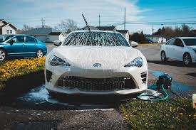 How to clean your car without making it streaky | findandfundmycar