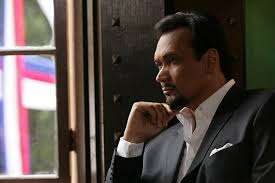 Actor Jimmy Smits - American Profile