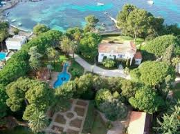 cap d antibes and its luxurious properties