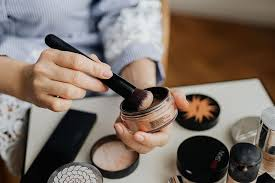 makeup essentials to keep in your