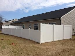 Combination 6 And 4 Vinyl Fence