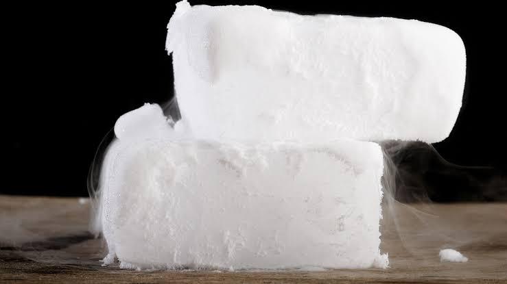 ثلاجات فلين لحفظ الثلج