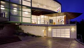 AVANTE™ Collection Modern Garage Doors | Best Overhead Door