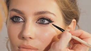 7 makeup choices making you look older