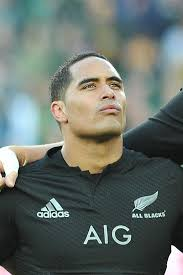 Rugby union - Aaron Smith commits to All Blacks until 2019