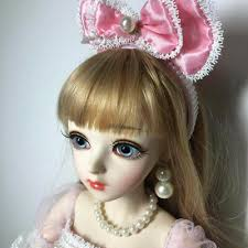 doll pretty with free face makeup