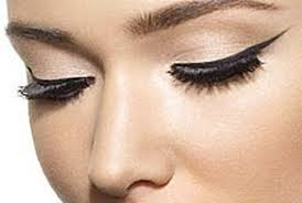 how to do cat eye makeup properly using