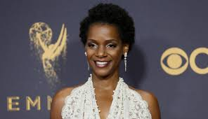 Hollywood Live Extra #6: Conversation with Vanessa Bell Calloway - American  Urban Radio Networks