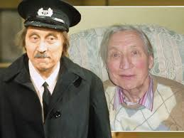 Stephen Lewis dead: Family lead tributes as fans pay respects to On the  Buses star - Mirror Online