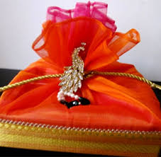 return gifts for hindu wedding