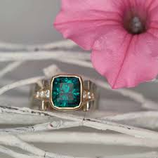 blue green maine tourmaline in 18k gold
