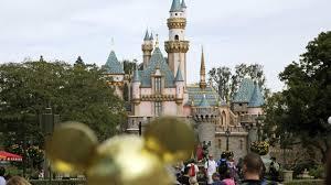 Disneyland shuts down over virus fears ...