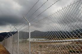 Ways To Extend A Chainlink Fence Ehow