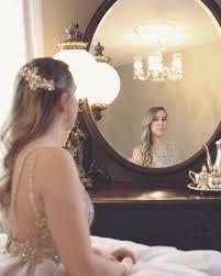 what causes dark edges around mirrors