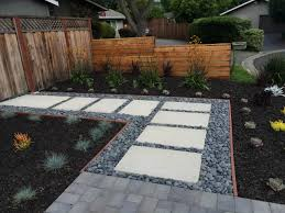 75 Beautiful Modern Landscaping Pictures Ideas November 2020 Houzz