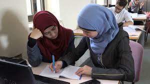 بنات الجامعة اجمل صور لفتيات الجامعات مساء الورد