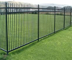Amazon Com Aspen Style 3 Rail Steel Fence Kit Powder Coated Black 6 5 W X 5 H Garden Outdoor
