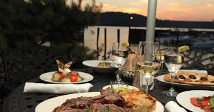 Waterfront restaurants in the Lower ...