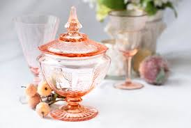 a collector s guide to depression glass