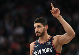 Knicks C Enes Kanter unhappy after surprise benching