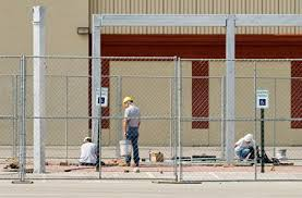 Home Temporary Fencing Solutions Fencing Barricades And Quality Secure Barriers Chain Link Fence Fence Blackout