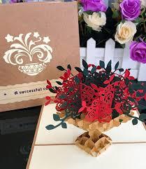 كارت تهنئة شكل بوكيه زهور ثلاثي الأبعاد أرسل في جدة