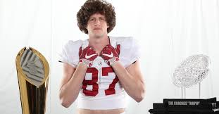 This is Richard Hunt, And He's Actually Playing Football for Alabama    Fanbuzz