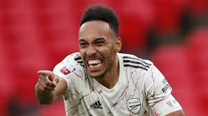 Aubameyang signs new Arsenal deal