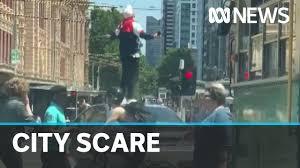 Police arrest man in Melbourne CBD ...