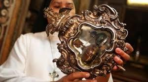 Santa Patrizia patrona di Napoli e il suo sangue miracoloso ...