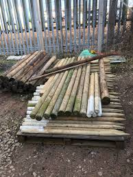 Round Pressure Treated Fence Post Tree Steaks In Bolsover Fur 1 00 Zum Verkauf Shpock De