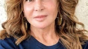 Giuliana De Sio biografia: chi è, età, altezza, peso, figli, marito e vita  privata - Spettegolando