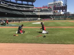 Adeiny Hechavarria doing defensive drills with Ron Washington : Braves