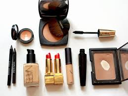 15 must have makeup s pros