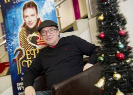 EastEnders star Adam Woodyatt chats about why he's hooked on panto in  Swindon | Swindon Advertiser