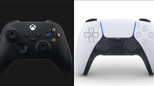 PS5 DualSense vs. Xbox Series X Controller - Head To Head ...