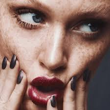 foundation tips to cover your freckles