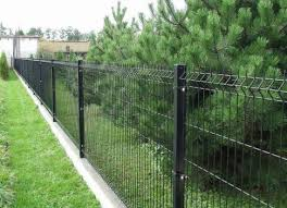 Welded Mesh Fences Advantages And Disadvantages 46 Photos Metal Sectional Fence Made Of Rolled Material With Polymer Coating Roll Size