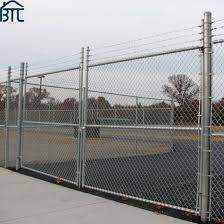 China 6 Foot Galvanized Chain Link Fence With Barbed Wire And Post China Chain Link Fence Design Yard Guard Chain Link Fence
