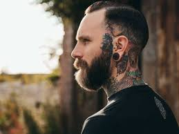 hairstyles for men with big ears