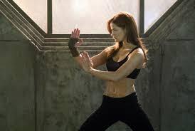 Kelly Overton As Christie Montiero In Tekken grand tableau ...