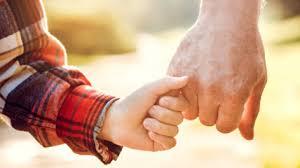 Chi sono i congiunti: dal 4 maggio possibili visite ai parenti